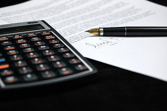Działalność gospodarcza a umowa o pracę