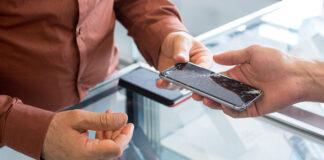 Zbita szybka w iPhone